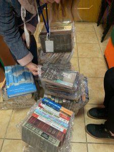 (UA) Збагачуємо книжкову скарбницю Київської молодіжної бібліотеки!